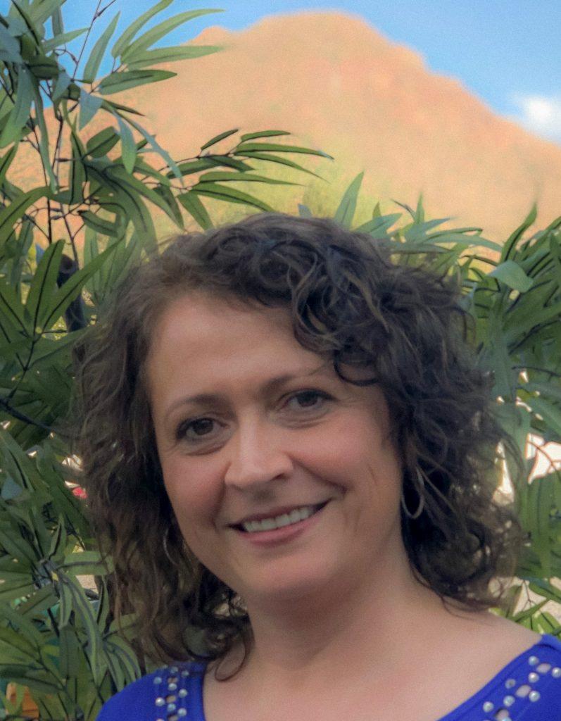 Meet Gabriela Istrate Executive Director Vista Living Assisted Living Phoenix Arizona